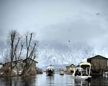 Dal Lake, Srinagar Tour Packages